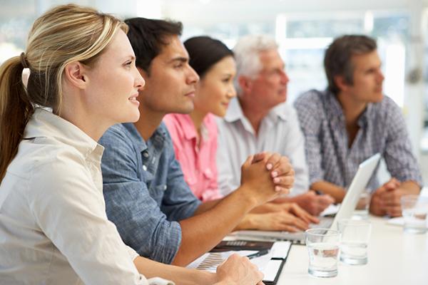 Oaks-Meetings-Events-Calypso-People-Table-600x400