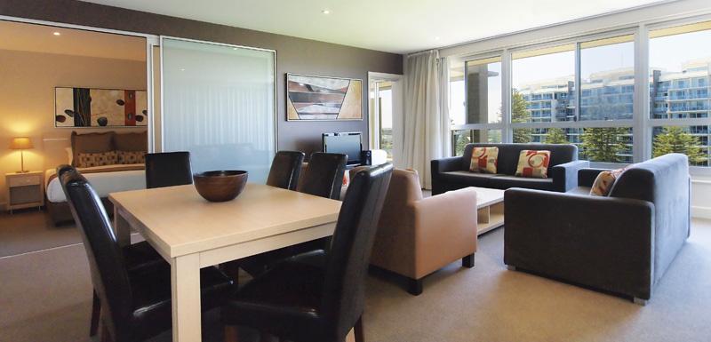 3 bedroom holiday apartment living room Oaks Plaza Pier hotel Glenelg, South Australia